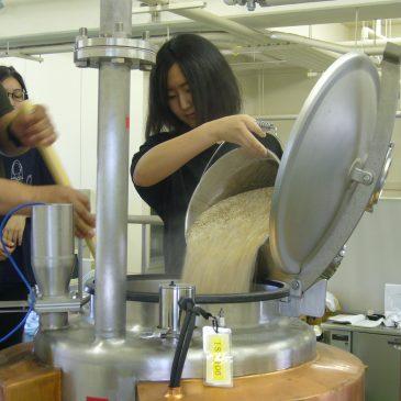 ビール製造実習を実施